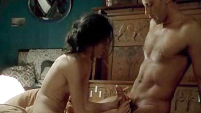 Rubias hacen video sexual casero con un chico para videos de maduras en incesto dos
