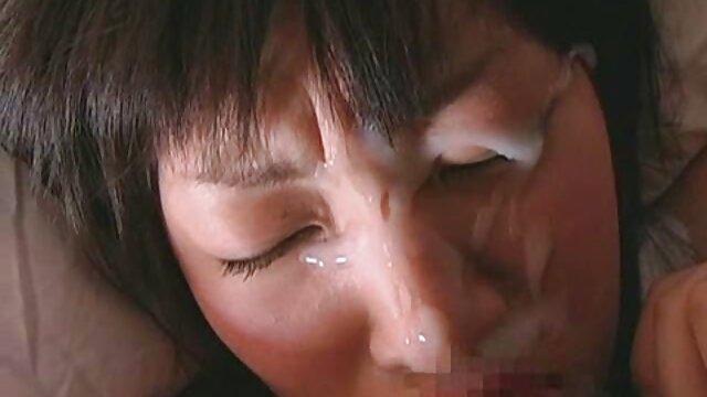 Pareja daguestán de makhachkala en un compartimiento en una cámara maduras peludas con hijos amateur juguetonamente traviesa con vulgaridades