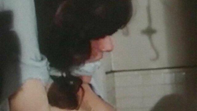 Conocido accidental en un madres foyando con hijos café, terminó con sexo apasionado en un piso con penetración en el culo