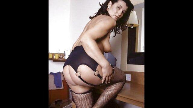 Clientes locos de fiestas privadas comienzan a madres culonas follando abrir las piernas para strippers con pollas largas