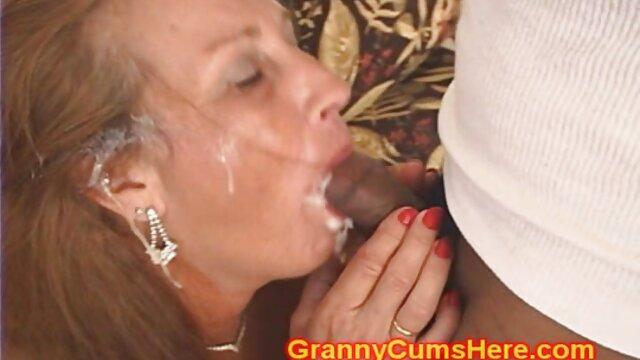 Jugosa turca mamas maduras tetonas de jugosos pezones en bragas y un coño pegajoso se acaricia