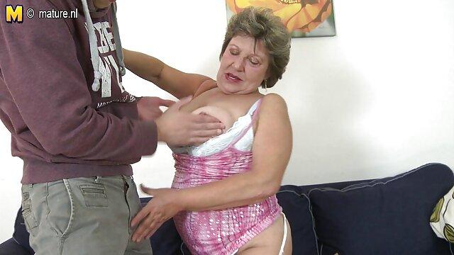 Un videos gratis de madres maduras follando diablo local embiste a la profusa Ksenia en un coño mocoso, la agarra por las correas y la planta sobre una polla dura.