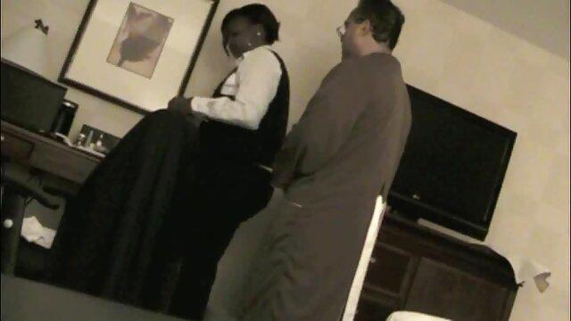 Un joven compañero de casa intenta chuparle el pene a un videos maduras hijos amigo dormido a escondidas y acaba en un sueño